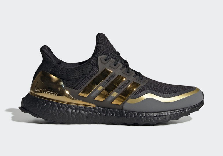 adidas Ultra Boost Core Black/Gold Metallic-Grey EG8102